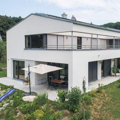 Luxuriöses Einfamilienhaus mit Einliegerwohnung am Wörthsee